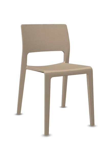 Juno di Arper: la sedia design in plastica firmata James Irvine